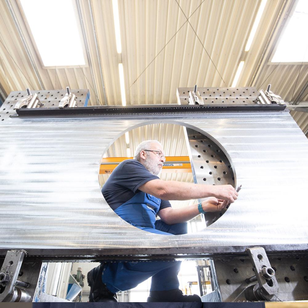 Geukes GmbH - Maschinenbau - Bocholt - Maschinenbauer CNC-Fräser